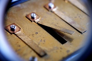 detail-broken-harmonica-reed-repair-300x200